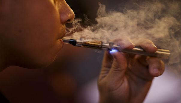 Signal Hill, Long Beach Consider E-Cig Smoking Bans